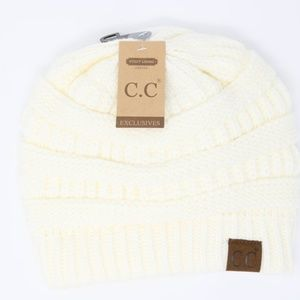Classic Fuzzy Lined CC Beanie in Ivory